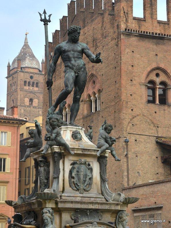 Fontana del Nettuno a Bologna
