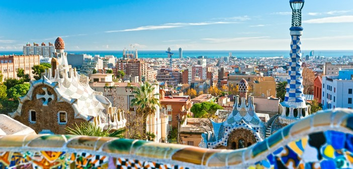 Barcellona in TimeLapse by Rob Whitworth